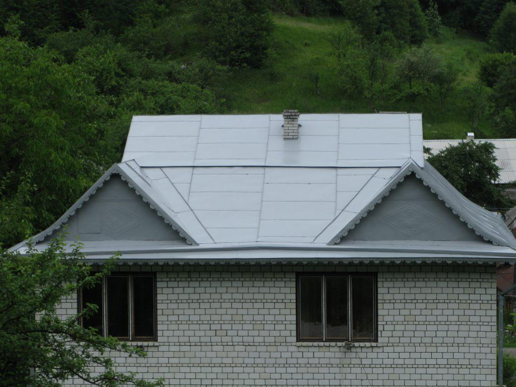 Пофарбований дах - захищений від корозії на довгі роки